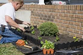 what do landscapers do what do commercial landscapers do starting a commercial