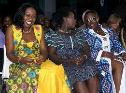 kente the history of ghanaian fashion and why it u0027s exploding