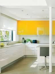 cuisine jaune et blanche cuisines ouvertes avec bar 6 cuisine jaune et blanche au style