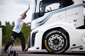 volvo 2017 truck volvo claims title of world u0027s fastest truck from u2026itself photo