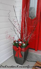 Christmas Decorations For Outdoor Urns by