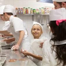 commis en cuisine les enfants de l école bénigne ont été les commis de cuisine