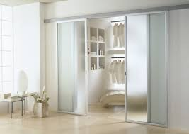 porte scorrevoli cabine armadio cabina armadio legno e vetro cerca con arredare