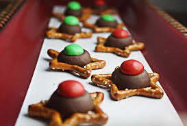 easy christmas cookies with holiday pretezels u2022 the wicked noodle