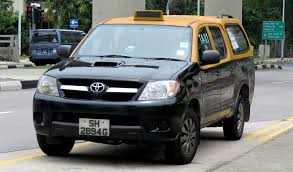 yellow toyota file toyota hilux yellow top cab jpg wikimedia commons