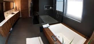 modern badezimmer badezimmer zum baden duschen und relaxen holzdesign im