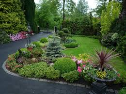 Small Shrubs For Front Yard - 15 wonderful landscaping ideas to beautify your front yard