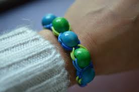 rubber band bracelets the saga continues with beads two clever