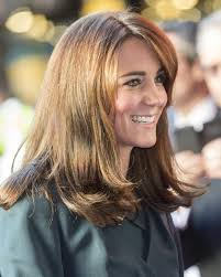nouvelle coupe de cheveux kate middleton a une nouvelle coupe de cheveux madame figaro