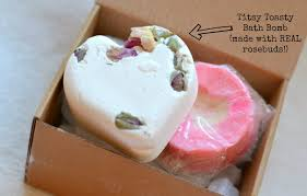 Bath And Shower Gift Sets Last Minute Valentines Gifts Love Ly Bath Time With Lush