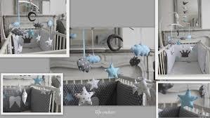 chambre bébé grise et ciel enfant chevet coucher lit deco tons decoration parure