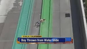 6 Flags Water Park Nj Crowd Catches Delaware Teen Falling From Six Flags