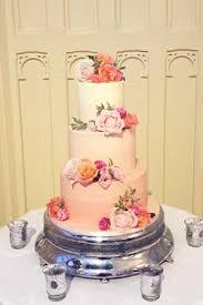 peach ombre wedding cake peach ombre smooth buttercream le papillon patisserie