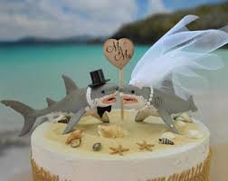 starfish wedding cake topper decorated ivory veil destination