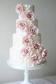wedding cake roses best 25 ivory wedding cake ideas on wedding