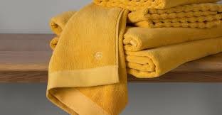serviette de toilette haut de gamme alto lot de 4 serviettes de toilette jaune moutarde made com