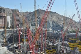 wolff cranes get to work on world u0027s tallest tower