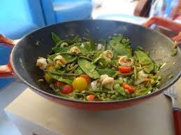 cuisiner des pois mange tout scis aux haricots mange tout et petits pois miaaaam