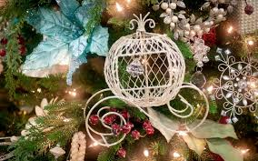 New Year Christmas Tree Decorations by Download Wallpaper 1920x1200 Christmas Tree Decorations Balloons