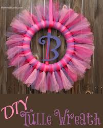 how to make wreaths how to make a tulle wreath mommadjane