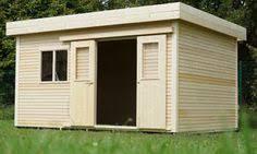 bureau de jardin pas cher abris à toit plat en bois avec terrasse modifié en bureau de