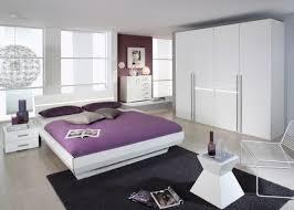 Schlafzimmer Komplett Weiss Eiche Bilder Moderne Wohnzimmer Mit Weiße Wohnwände Als Moderne