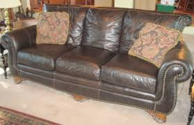 Camelback Leather Sofa by Chic Nailhead Leather Sofa Homesullivan Kelvington Camelback