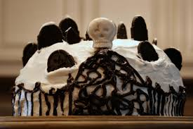 graveyard halloween cakes graveyard cake the show must go on