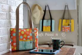pattern for tote bag with zipper tablet bag free sew pattern craft passion