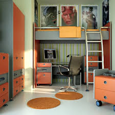 ideas for teenage guys with small rooms square wooden desk