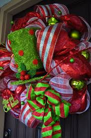 39 best burlap christmas decor ideas images on pinterest burlap merry christmas deco mesh wreath 2013 christmas wreath with hat gorgeous christmas door decorations