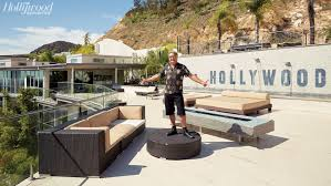 Outdoor Party Furniture Rental Los Angeles Hollywood U0027s Most Notorious Party House Has 51 Bathrooms 32