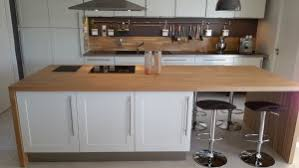 cuisine plan travail bois plan de travail en bois massif pour votre cuisine