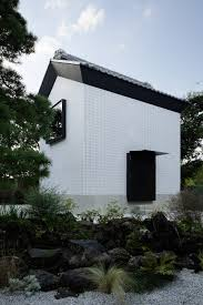 Storehouse Home Decor by Earthquake Damaged Storehouse In Japan Transformed Into Living