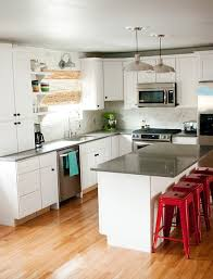 White Cabinets With Grey Quartz Countertops This Is Kinda Like How I Want Our Kitchen To Look Grey Quartz