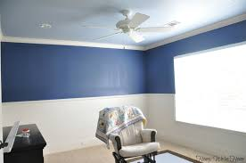 painting walls two different colors photos painting a room two different colors inspire home design pictures