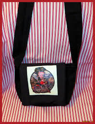 my storyart 2014 this betty boop small messenger bag is a christmas gift for my best gal pal who rides a motorcycle she s gonna love it with the magic of hp transfer paper