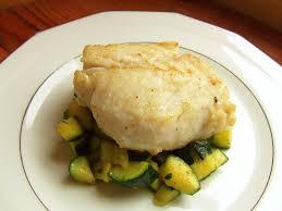 cuisiner dos de cabillaud poele dos de cabillaud une cuisson parfaite a boire et à manger