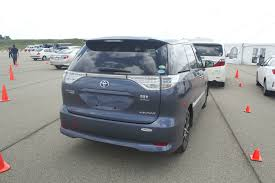 toyota estima toyota u0027s fuel sipping estima and alphard hybrid minivans u2013 off