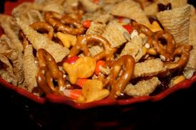 Thanksgiving Trail Mix Thanksgiving Snacks The Picky Apple
