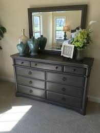 Love These Colors With The Silver Detailed Mirror Above House - Bedroom dresser decoration ideas
