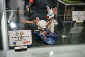 pinky and the brain toy fair 2017 qmx q figs collection display the toyark news