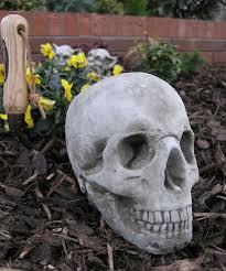 skull garden ornament statue gg11 18 99 garden4less