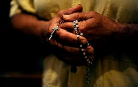 rosary key to evangelization helping families says marian expert