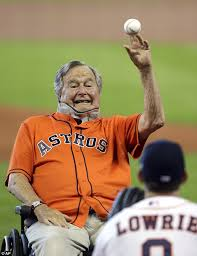Houston Astros Memes - george hw bush and wife barbara throw out first pitch at astros