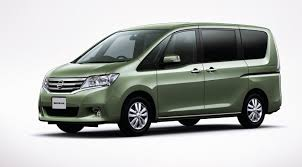 nissan serena 2011 nissan serena minivan makes its introduction in japan