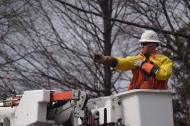 Michigan Power Outage Map by How Dte Energy Crews Work Through A Power Outage News