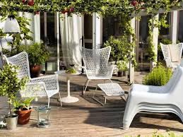 ikea patio furniture design plan with white wicker chairs and white