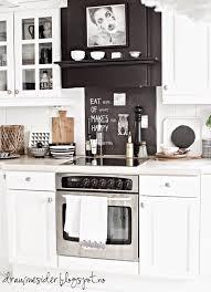 czarny okap w białej kuchni skandynawskiej lovely kitchens