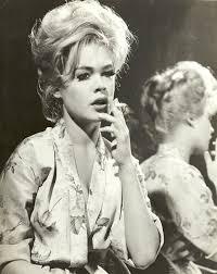 Dodd Darin by Dee Female Celebrity Smoking List